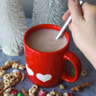 Healthy Hot Chocolate Recipe - indulge your hot cocoa cravings while giving your body the gift of nourishing fats, vitamins, and antioxidants! #ketofriendly #noaddedsugar #hotchocolate | www.thebatterthickens.com